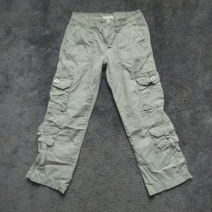 Capri cargo pants